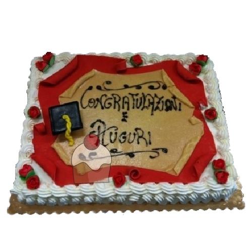 Torta Rettangolare Per Laurea Con Crema E Contornata Con