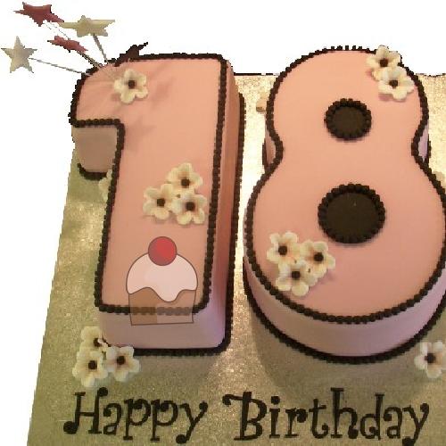 Elegantissima Torta Per Compleanno Di 18 Anni Con Crema Al